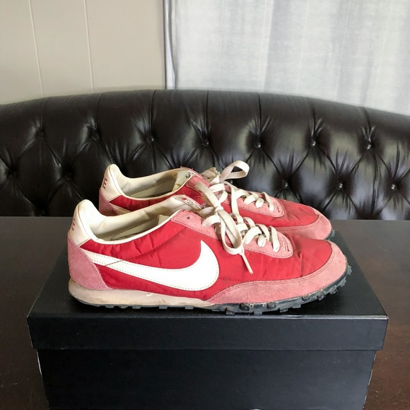 ce2ca856186ca4 Men s Red Nike Vintage Collection Waffle Racer. M 5be21ad41b32947f9791a185